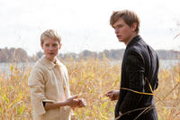 Mia Wasikowska as Annabel and Henry Hopper as Enoch in