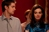 Jim Sturgess as Dexter Mayhew and Anne Hathaway as Emma Morley in