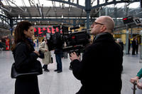 Gina Carano and director Steven Soderbergh on the set of