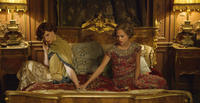 Eddie Redmayne as Lili Elbe and Alicia Vikander as Gerda Wegener in