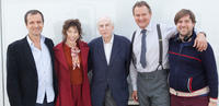 David Heyman, Sally Hawkins, Michael Bond, Hugh Bonneville and Paul King on the set of