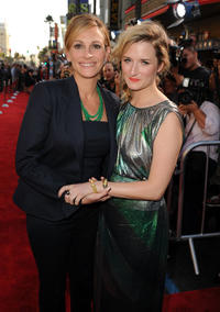 Julia Roberts and Grace Gummer at the California premiere of