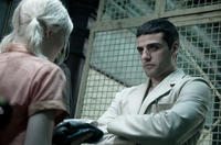 Emily Browning as Babydoll and Oscar Isaac as Blue Jones in