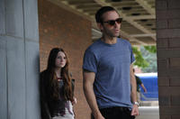 Abigail Breslin and Alessandro Nivola in