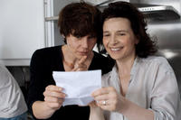Malgorzata Szumowska and Juliette Binoche on the set of