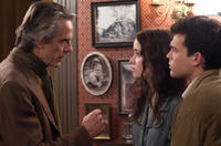 Jeremy Irons as Macon Ravenwood, Alice Englert as Lena Duchannes and Alden Ehrenreich as Ethan Wate in