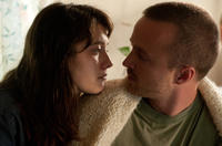 Mary Elizabeth Winstead as Kate Hannah and Aaron Paul as Charlie Hannah in