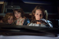 Kyla Deaver as April, Joey King as Christine and Lili Taylor as Carolyn Perron in