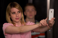 Emma Roberts as Casey Mathis and Will Poulter as Kenny Rossmore in