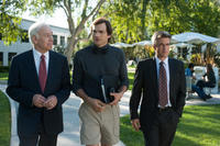 Robert Pine as Ed Woolard, Ashton Kutcher as Steve Jobs and Dermot Mulroney as Mike Markkula in