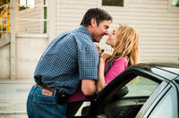 Dennis Quaid as Henry and Heather Graham as Meredith in
