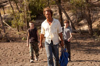 Jacob Lofland, Matthew McConaughey and Tye Sheridan in
