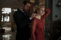 Alexander Skarsgard as Benji and Brit Marling as Sarah in