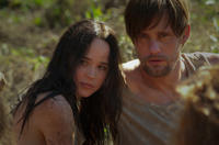Ellen Page as Izzy and Alexander Skarsgard as Benji in
