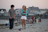 Liam James as Duncan and AnnaSophia Robb as Susanna in