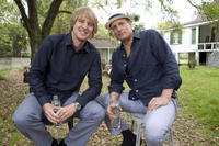 Owen Wilson and Woody Harrelson on the set of
