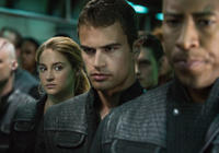 Shailene Woodley and Theo James in