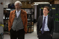 Morgan Freeman as Joseph Tagger and Cillian Murphy as Agent Buchanan in