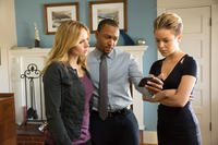 Kristen Bell as Veronica Mars, Percy Daggs III as Wallace Fennel and Tina Majorino as Cindy