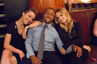 Tina Majorino, Percy Daggs III and Kristen Bell on the set of