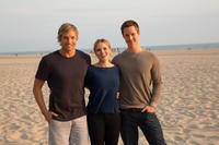 Ryan Hansen, Kristen Bell and Jason Dohring on the set of