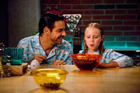 Eugenio Derbez as Valentin and Loreto Peralta as Maggie in