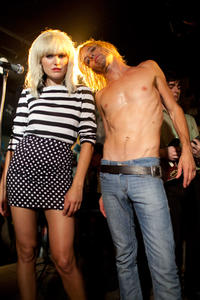 Malin Akerman and Taylor Hawkins in
