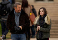 Kevin Costner and Hailee Steinfeld in