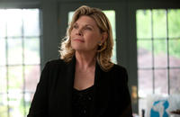 Debra Monk as Linda Callen in