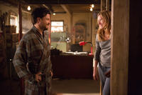 Jason Bateman as Judd Altman and Kathryn Hahn as Annie Altman in