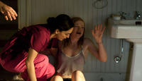 Ana de la Reguera as Rosaura and Sarah Snook as Jessie in