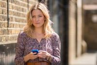 Kate Hudson as Anna Wright in