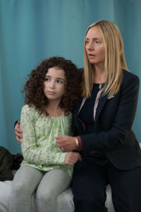 Olivia Steele-Falconer as Maria Fareri and Hope Davis as Brenda Fareri in