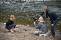 Reese Witherspoon, cinematographer Yves Belanger and director Jean-Marc Vallee on the set of