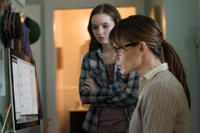 Jennifer Garner as Patricia Beltmeyer and Kaitlyn Dever as Brandy Beltmeyer in