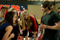 Katherine Hughes, Elena Kampouris and director Jason Reitman on the set of