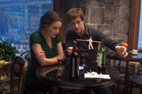 Charlotte Le Bon as Annie and Joseph Gordon-Levitt as Philippe Petit in