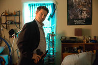 Shea Whigham as detective Holliston in
