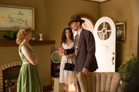 Wrenn Schmidt as Bobbi Jett, Maddie Hasson as Billie Jean Jones and Tom Hiddleston as Hank Williams in