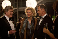 Robert Redford as Dan Rather, Cate Blanchett as Mary Mapes and Bruce Greenwood as Andrew Heyward in