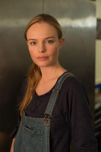 Kate Bosworth as Sydney in