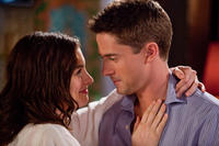 Anne Hathaway and Topher Grace in