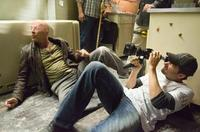 Bruce Willis and director Len Wiseman on the set of