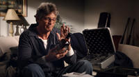 Eric Roberts as Ronnie Bullock in