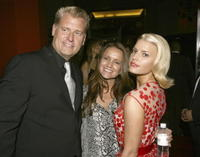 Jessica Simpson with parents Joe and Tina at the Los Angeles premiere of