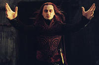 Evil emanates from sorcerer Durza (Robert Carlyle) in
