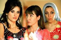 Penelope Cruz as Raimunda and Lola Duenas as Sole in
