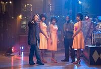 Bill Condon, Beyonce Knowles, Anika Noni Rose, Keith Robinson and Jennifer Hudson on set of