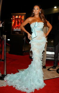 Beyonce Knowles arrives on the red carpet at the Beverly Hils premiere of