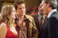 Sophie Fisher (Drew Barrymore) and Alex Fletcher (Hugh Grant) confront her old flame Sloan (Campbell Scott) in